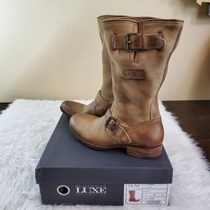 **Australia Luxe Collective Sz 7 Locked Tan Boots